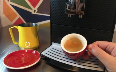 Superautomática, la cafetera que muele el café al momento y más
